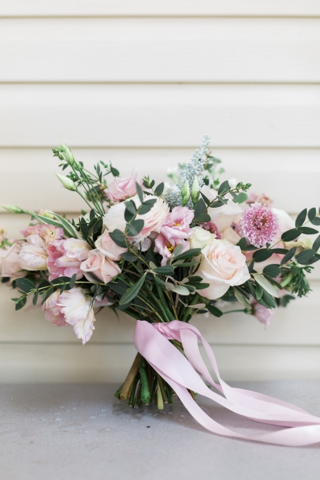 Unstructured, blush bouquet}