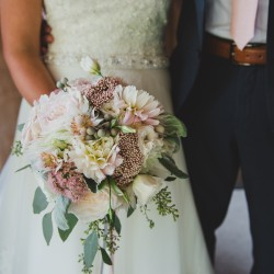 Tara Lilly Photography, textural blush bouquet, Honsberger Estate Winery