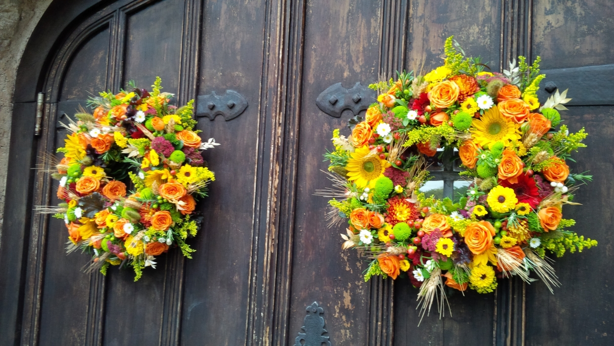 Precious LaPlante Photography, autumn wreaths for Vineland Estates Winery Carriage House doors