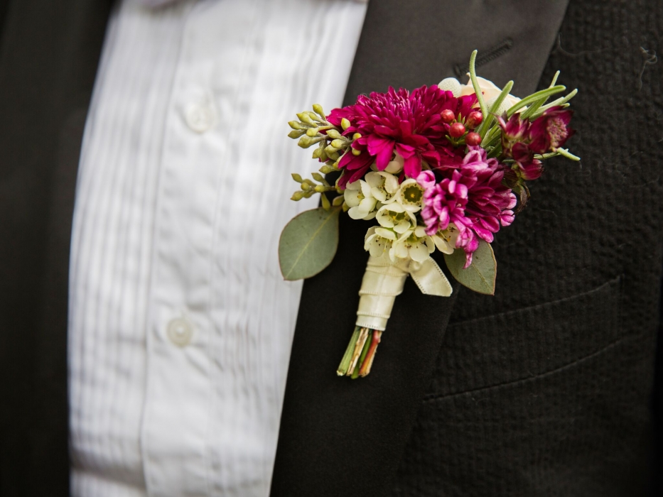 Lauren Garbutt Photography, autumn boutonniere, Kurtz Orchards
